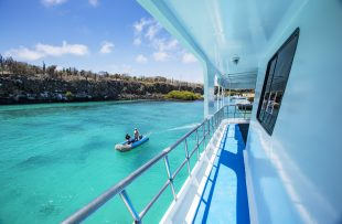 ecuador-galapagos-yolita-boat-side-deck-img9058-lg-rgbs